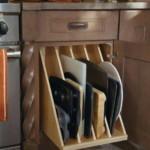 kis konyha tároló ötlet, tipp - tálca rendszerező