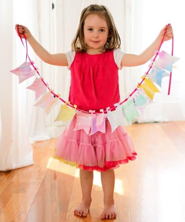 kreatív gyerek ötletek - kézműves zászló füzér