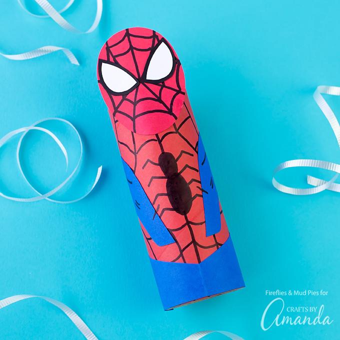 kreatív gyerek ötletek - karton szuperhős spider man