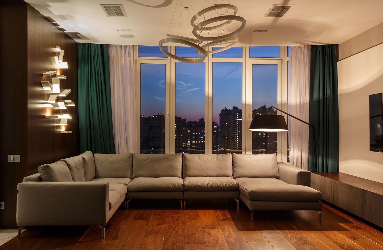 lakás emeletes ház tetején - nappali design lámpa