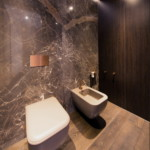 luxus lakás sárga réz - mosdó