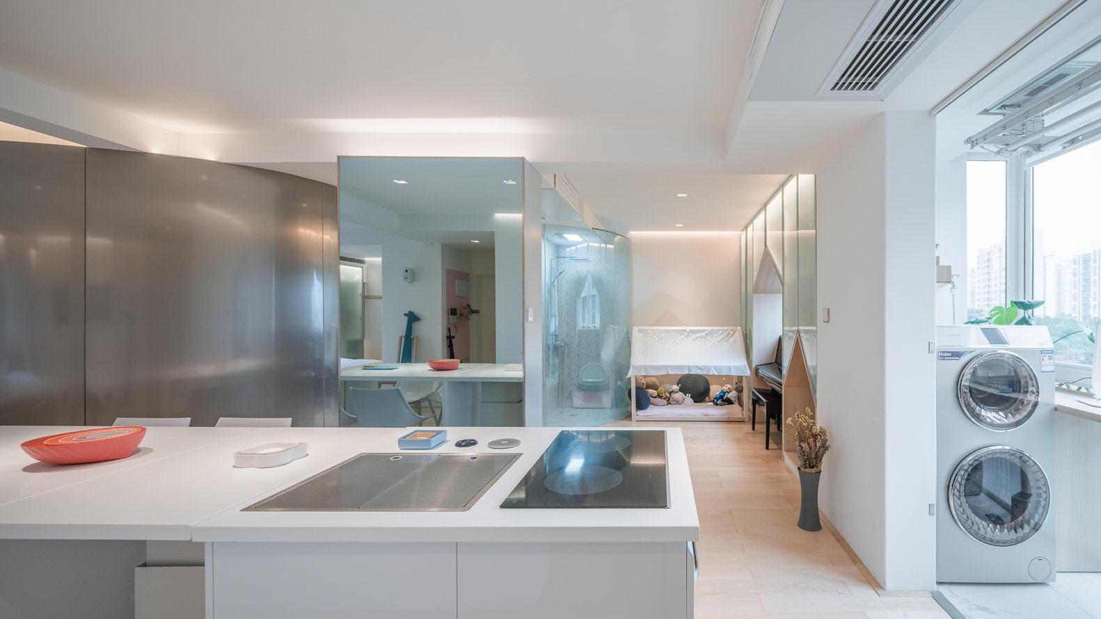 nyugtató színek - lakás konyhaközlekedő