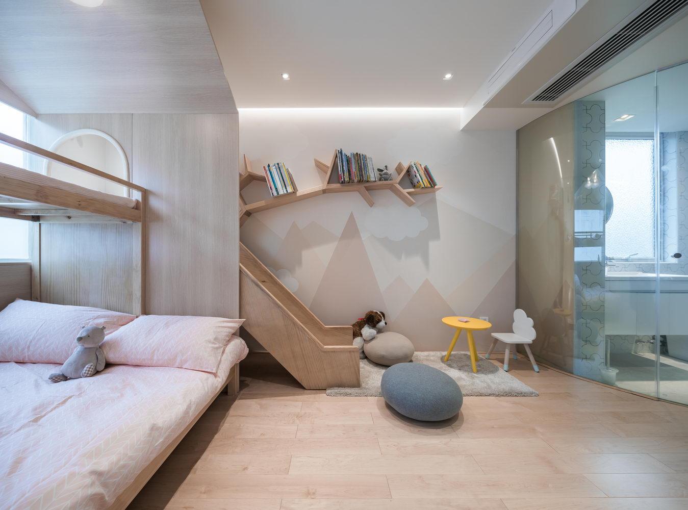 nyugtató színek - lakás gyerek sarok csúszdával