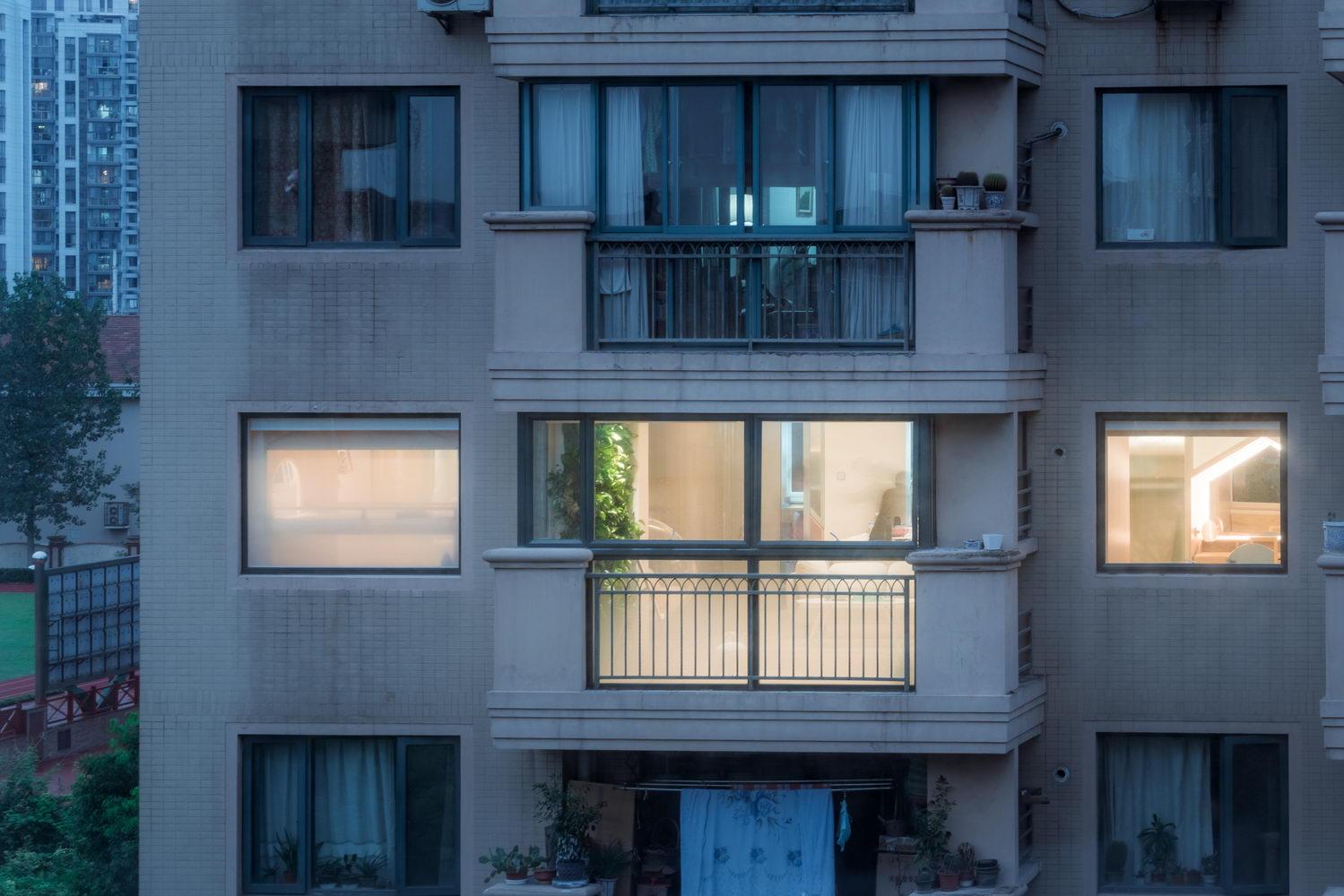 nyugtató színek - lakás társasház