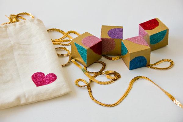 Valentin napi ötlet - szíves kirakó kocka játék