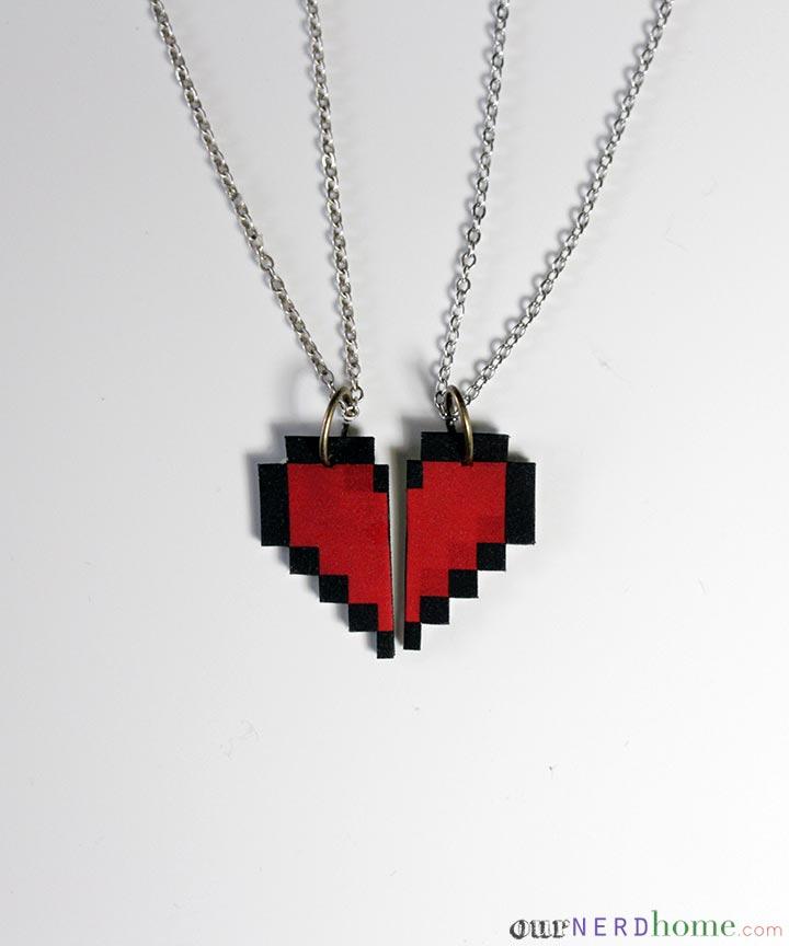 Valentin napi ötlet - geek szív medál
