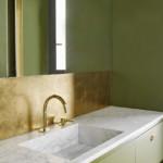 színes luxus lakás zöld arany fürdőszoba