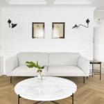 színes luxus lakás fehér romantikus nappali fekete fém