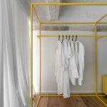 Monokróm Loft lakás fa dekoráció - hálószoba sárga pop szekrény
