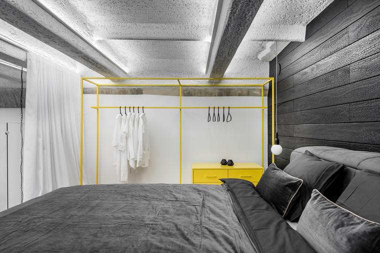 Monokróm Loft lakás fa dekoráció - hálószoba galéria
